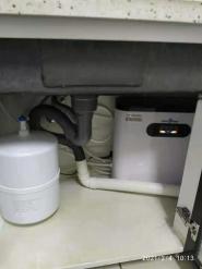 为东亚第一城客户安装508A反渗透净水设备